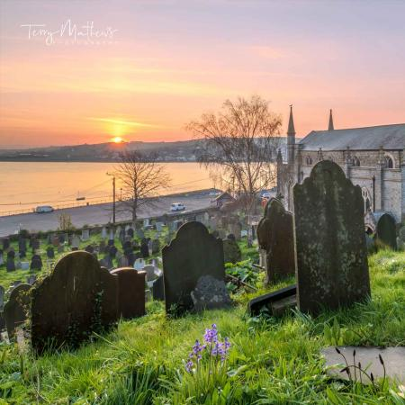Sunrise over Appledore Church yard